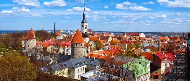 Новый Год  в Эстонии: поднимите бокалы дважды!